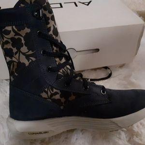 Shoe, boots, tennis shoes